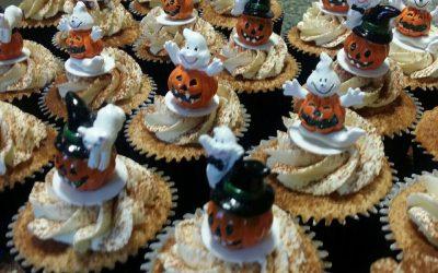 Heerlijk genieten met onze speciale cupcakes van Bella Vallis